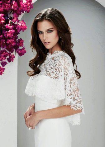 Кружевная белая накидка на платье