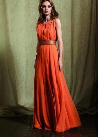 Оранжевое платье и его особенности