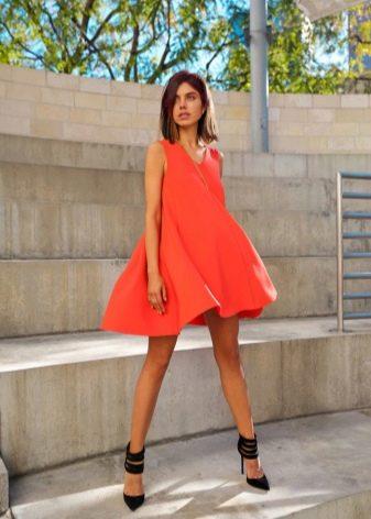 Короткое оранжевое платье