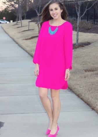 Аксессуары для платья цвета фуксии