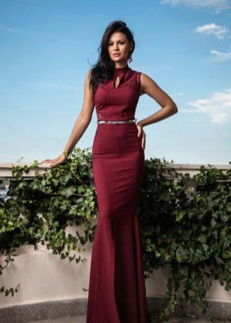 Платье  цвета марсала максимальной длины