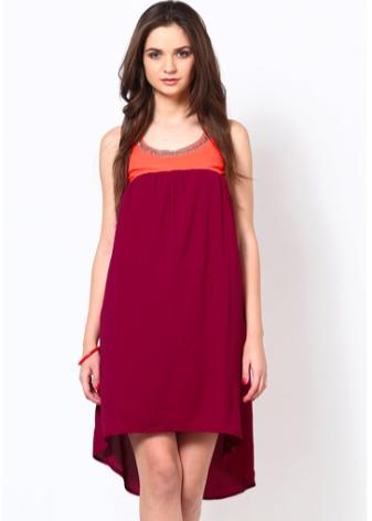 Платье цвета марсала в сочетание с красным
