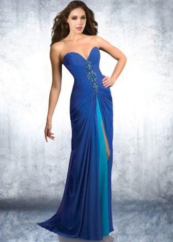 Темно-синее платье сголубым