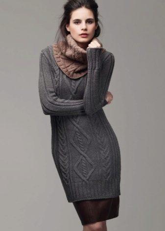 Платье-свитер вязаное с рукавами