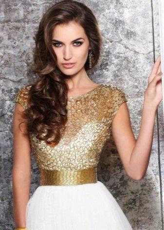 Дополнительные украшения к платью золотого цвета