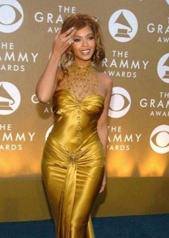 Подходящие украшения к платью золотого цвета