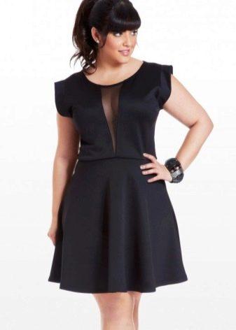 Черное короткое шелковое платье для полных девушек