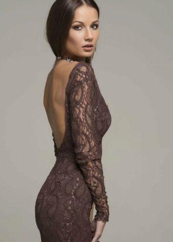 Гипюровое коричневое платье с вырезом на спине