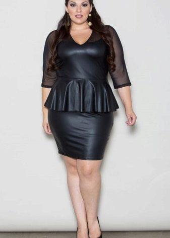 Кожаное платье для полных с прозрачными рукавами