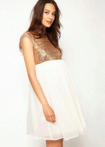 А-образное платье для беременных