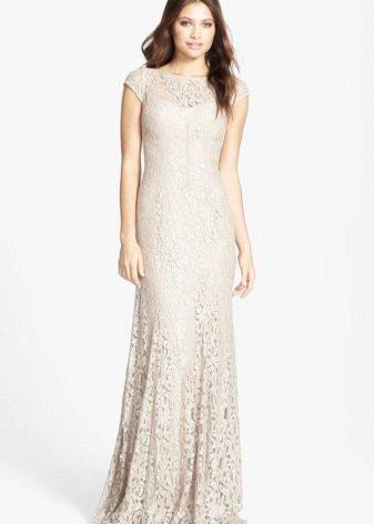 Кружевное длинное платье молочного цвета