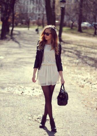 Молочное платье - с чем носить
