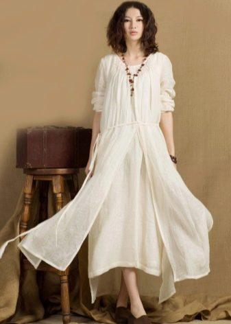 Молочное льняное платье