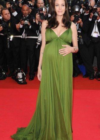 Нарядное зеленое платье в пол для беременных