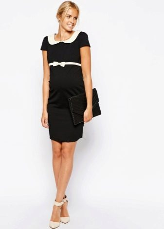 Офисное платье черного цвета с белым воротничком
