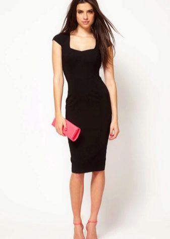 Черное офисное платье для корпоратива