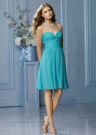 Платье цвета морской волны для блондинки
