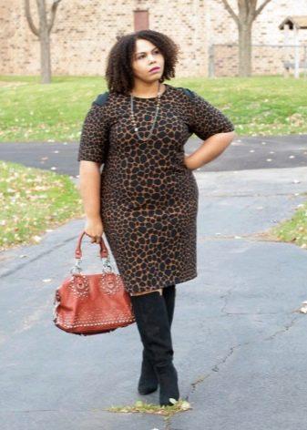 Замшевые черные к леопардовому платью-футляр для полных женщин