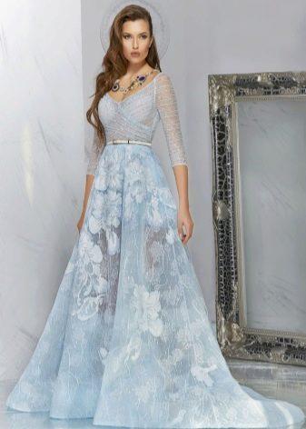 голубое платье с органзой