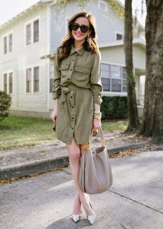 Платье рубашка в стиле сафари свободного кроя