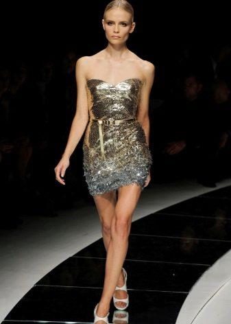Платье в стиле диско с тонким поясом