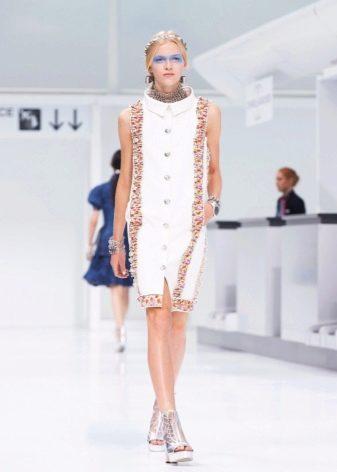 Белое платье от Шанель коктейное