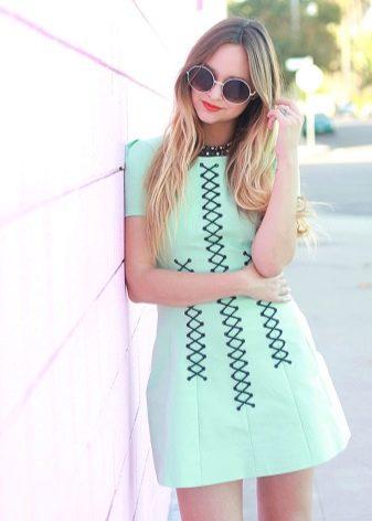 Повседневное короткое мятное платье
