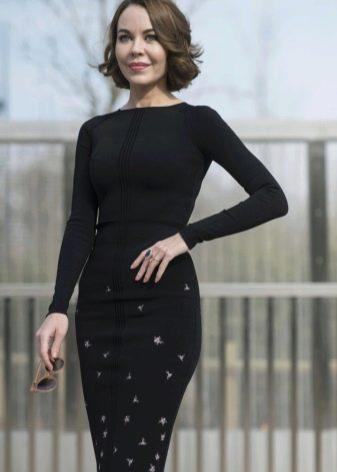 Теплое шерстяное платья в деловом стиле