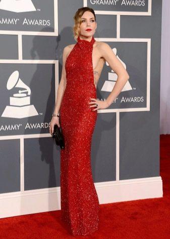 Красное длинное в пол платье в пайетках