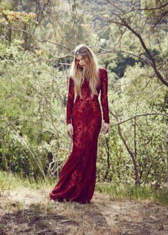Кружевное прозрачное бордовое платье в пол