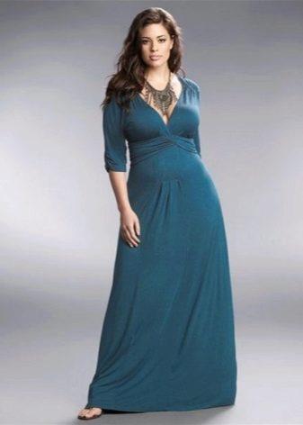 Длинное простое платье для полных