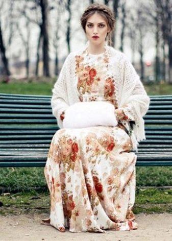 Платье и аксессуары к нему в русском стиле