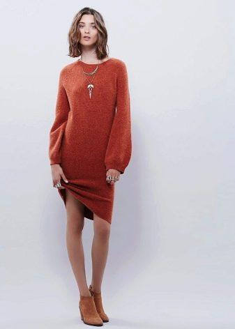 Теплое терракотовое платье