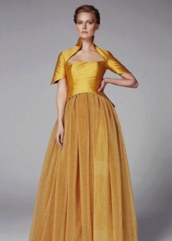 Платье цвета желтый дуб