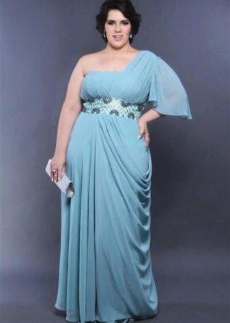 Трикотажное голубое платье в гресеском стиле для полной девушки