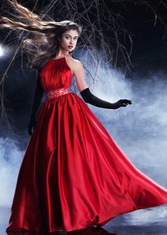 Вишневое платье размера плюс