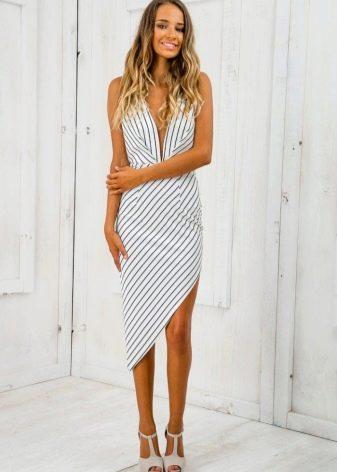 Полосатое асимметричное платье