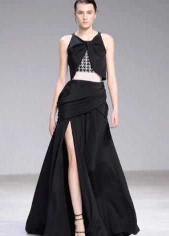 Платье а-силуэта с разрезом