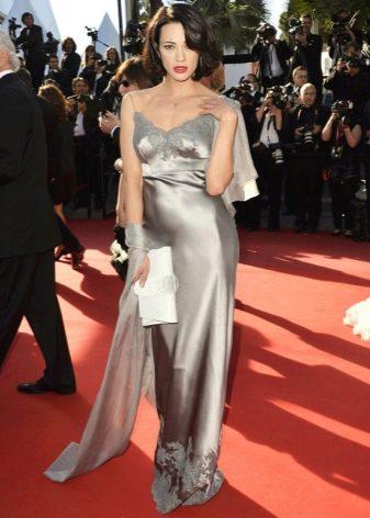 Шелковое платье с гипюром
