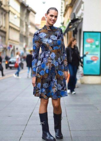 Шионовое платье А-силуэта для полных