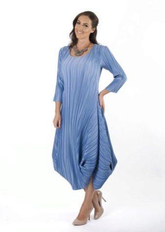 Платье-баллон для женщин с грушевидной фигурой