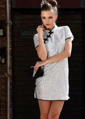 Короткое пряпое платье-ципао (платье Чеонгсам)