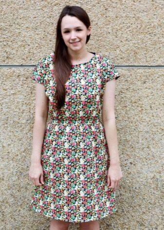 Платье из штапеля с цветочным принтом