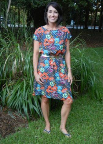 Платье из штапеля свободного кроя