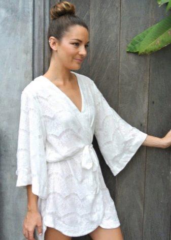 Прическа под платье кимоно