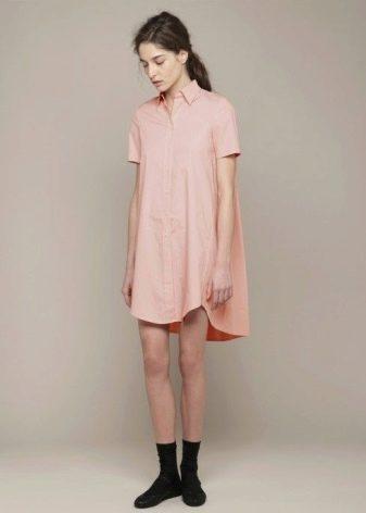Платье-рубашка прямого силуэта с коротким рукавом