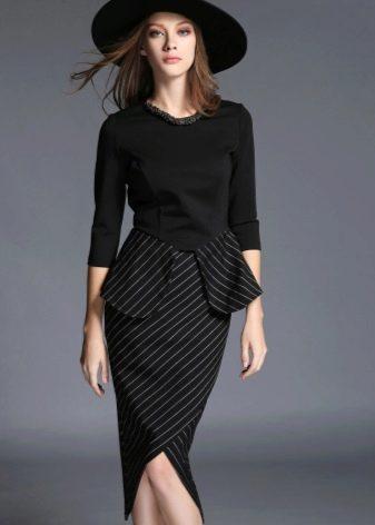Комбинированое платье с баской