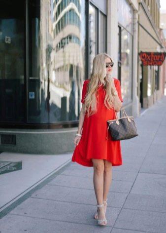 Красное платье трапеция для беременных