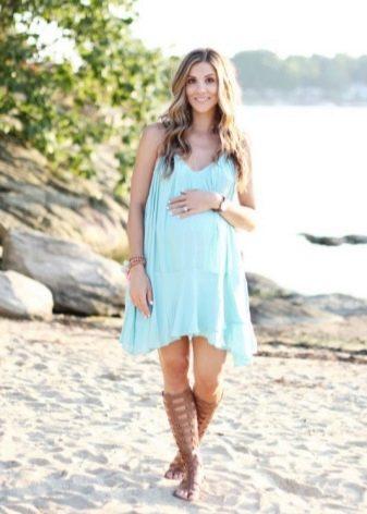 Голубое платье трапеция для беременных