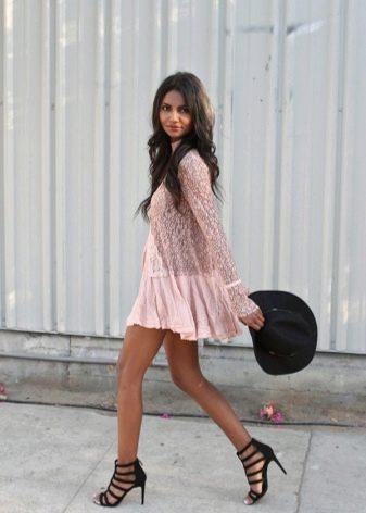 Платье-туника с босоножками